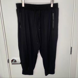 🎁4/20$🎁 Capri flowy harem pants